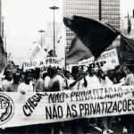 Passeata contra as privatizações de estatais brasileiras, São Paulo (Acervo UBES)