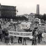 Manifestação estudantil pela entrada do Brasil na Segunda Guerra Mundial, Rio de Janeiro, 1942. (Acervo MME)