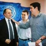 Igor Bruno – UBES e Felipe Maia – UNE com o Ministro da Educação Cristovam Buarque em visita a sede das entidades. São Paulo - 2003 (Acervo UNE)