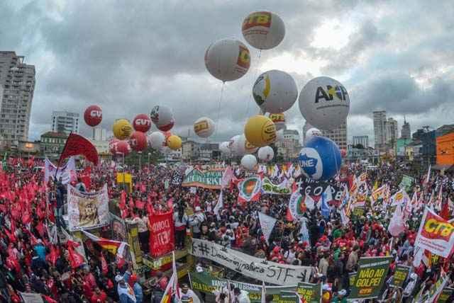 Movimentos Sociais