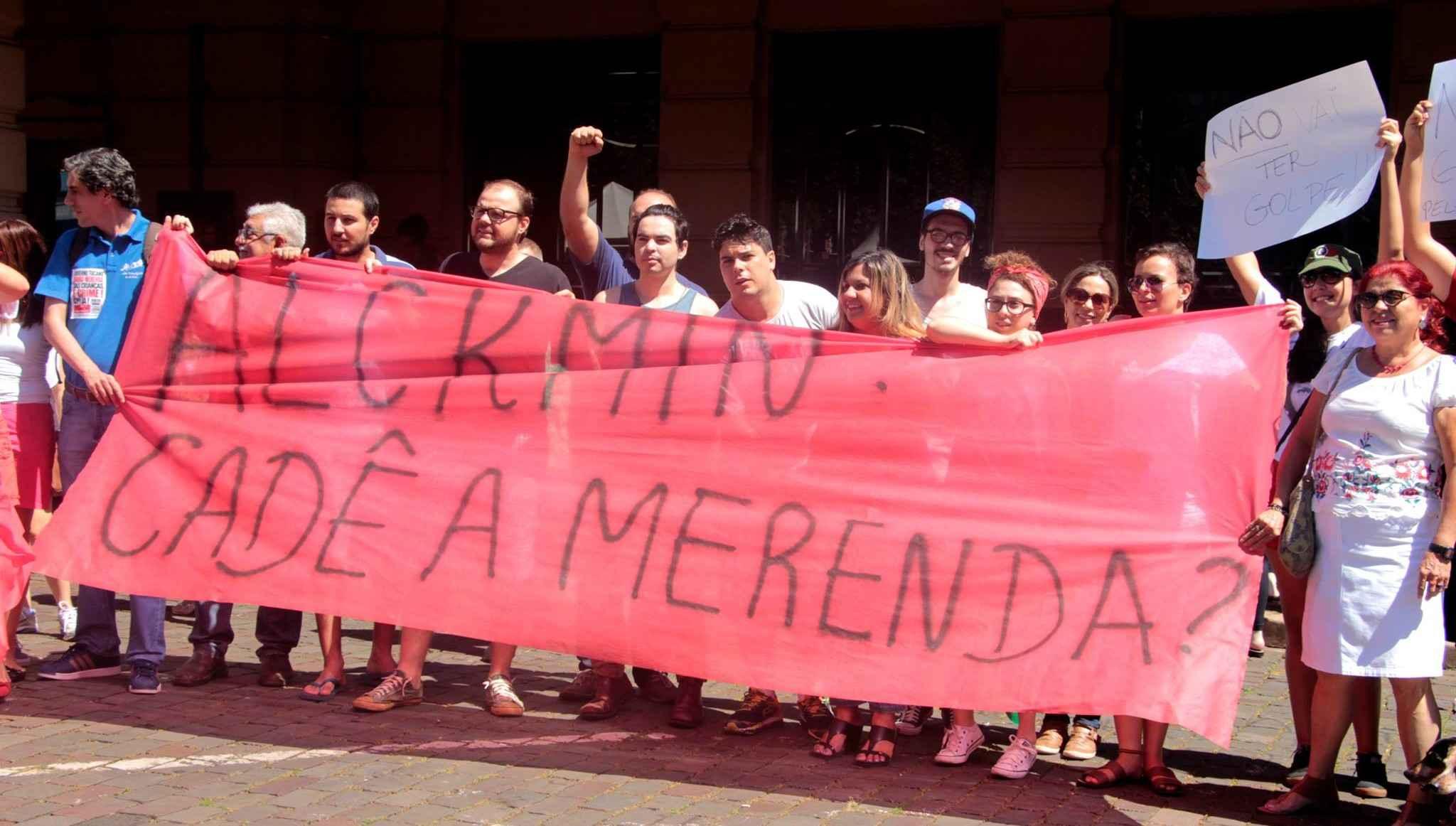 """""""Merendaço"""" em São Paulo pede abertura de CPI para investigar desvio de recursos da merenda"""