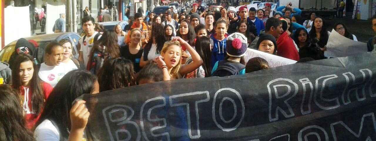 PR: Estudantes conquistam pautas das ocupações e iniciam movimento #BetoExterminadorDoFuturo