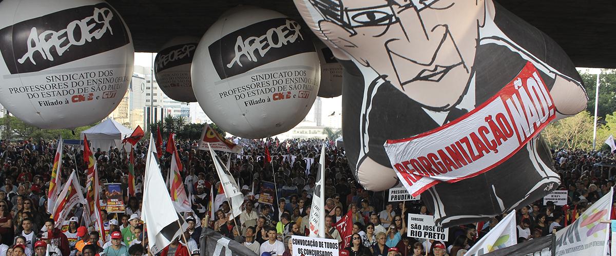 Contra retrocessos, 50 mil tomam as ruas de SP e anunciam greve geral