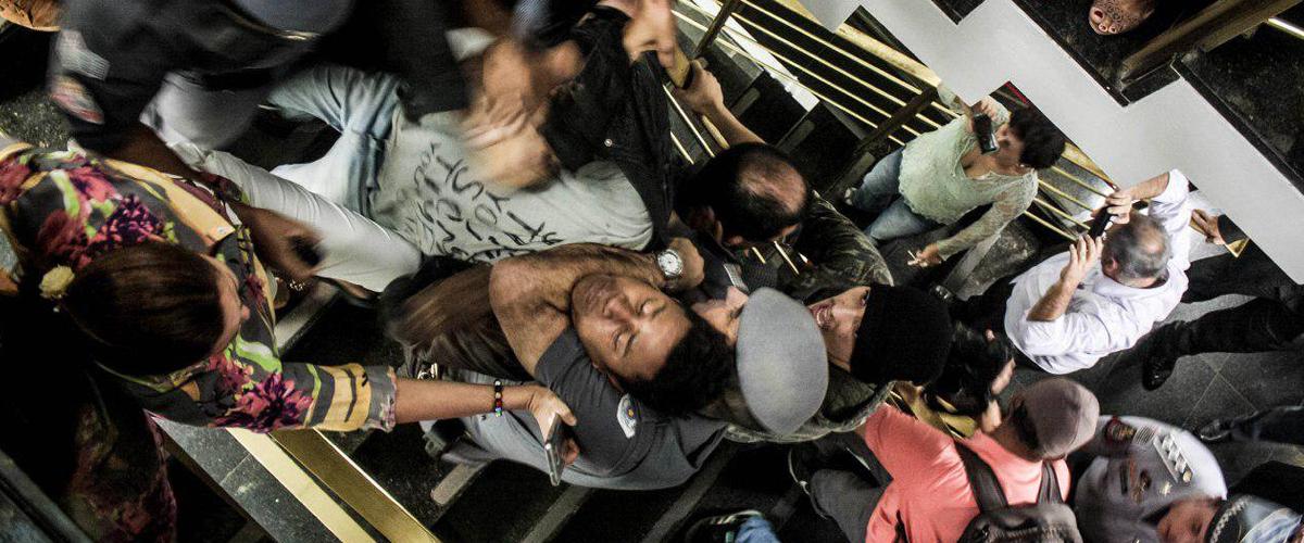 Violência na CPI da Merenda: estudantes são agredidos pela PM