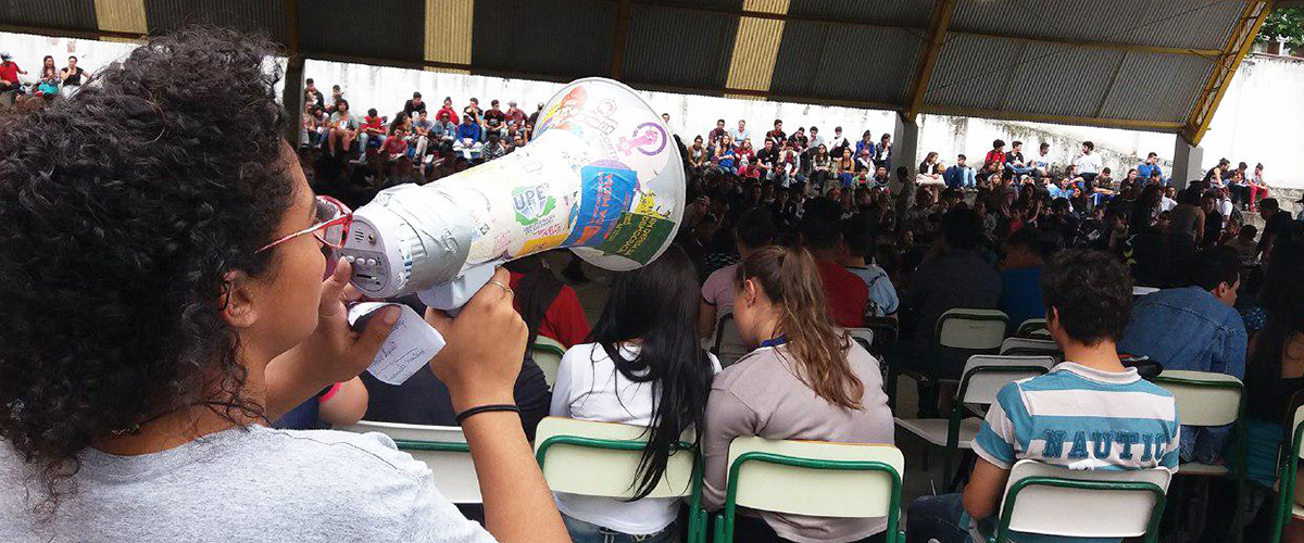 Paraná reúne mais de 600 escolas em grande assembleia para pautar futuro das ocupações