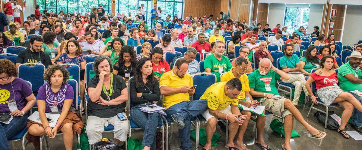 UBES e movimentos sociais da Frente Brasil Popular atualizam plataforma política e convocam jornada para 2017