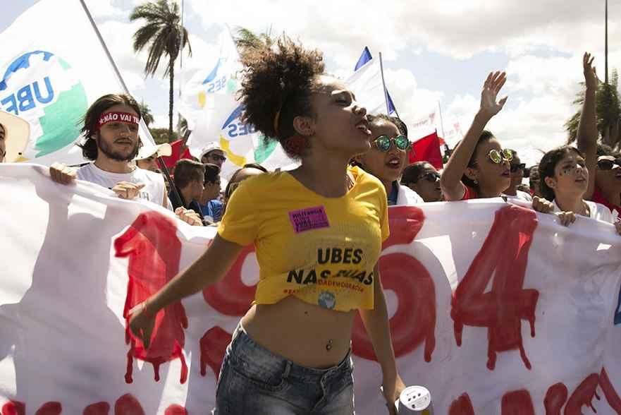 15 de março nas ruas: eu quero me aposentar