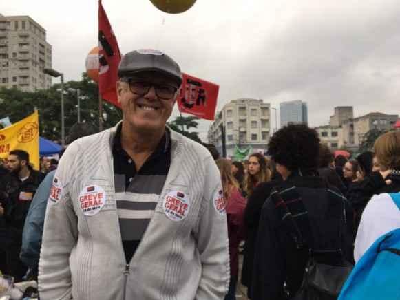 Carlos Alberto durante a manifestação de 28 de abril.