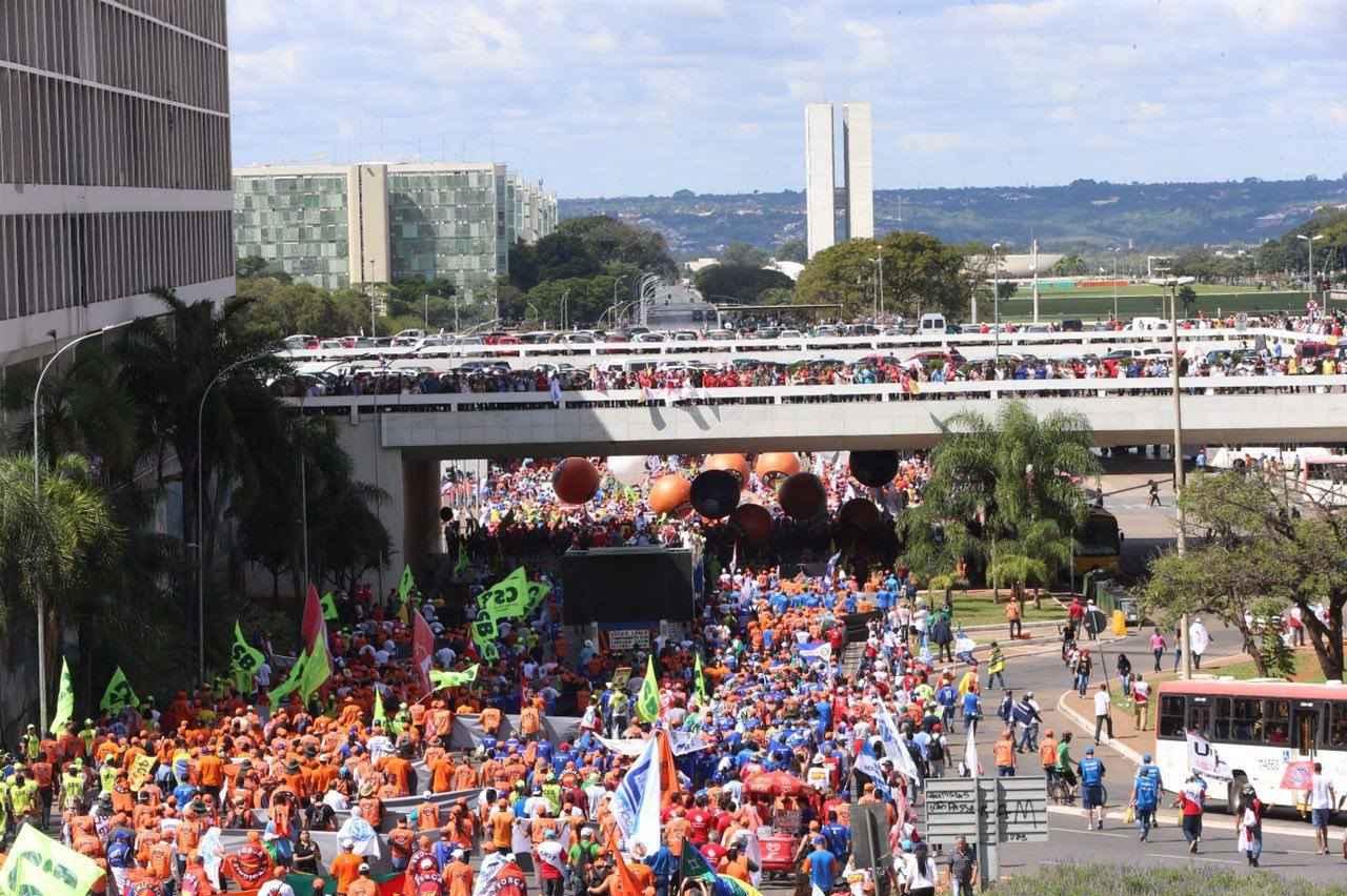 24M ocupa brasilia