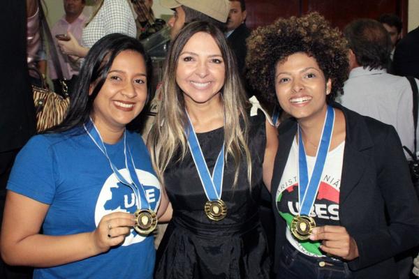 UBES recebe Comenda Honestino Guimarães pelo governo de Goiás