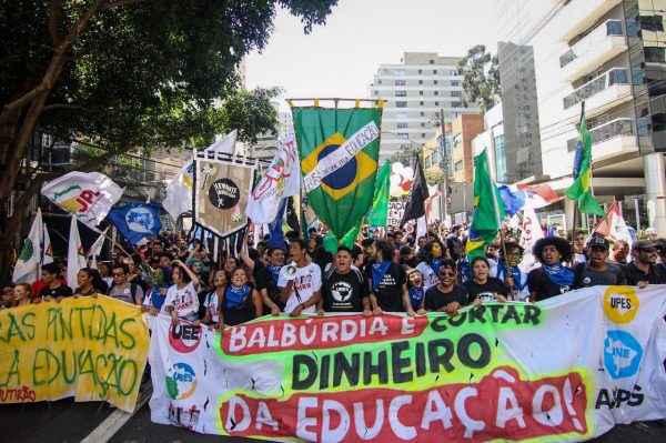 Para estudantes, patriotismo é defender educação e meio ambiente