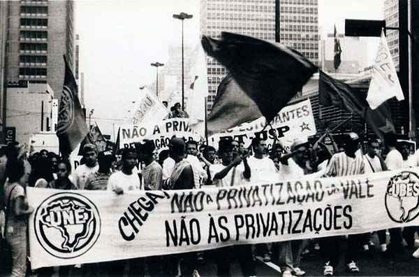 Protesto UBES contra privatização da VALE.