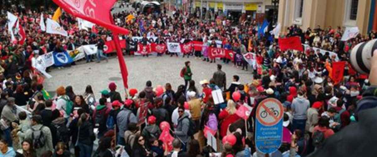 Há um ano, Beto Richa promovia massacre aos professores do Paraná