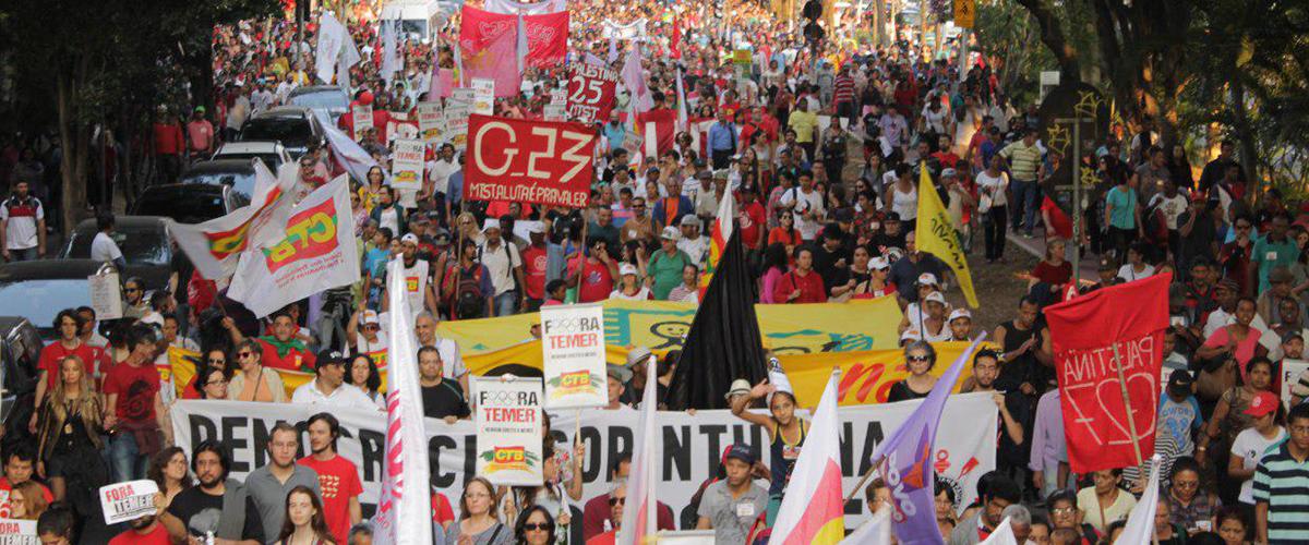 Educação em risco: estudantes saem às ruas pelo Fora Temer