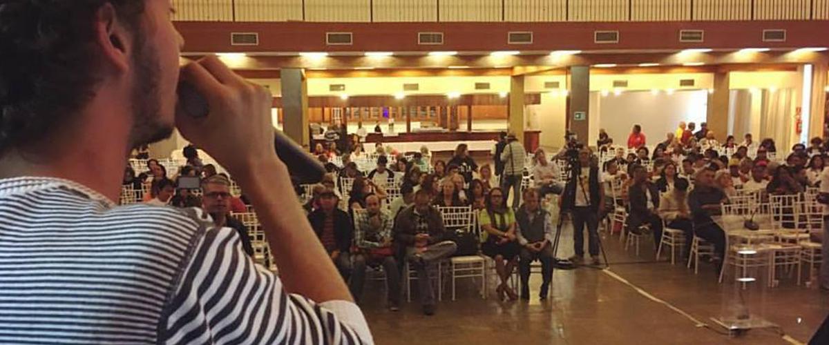 Em São Paulo, professores e estudantes se reúnem contra MP de reforma do ensino médio