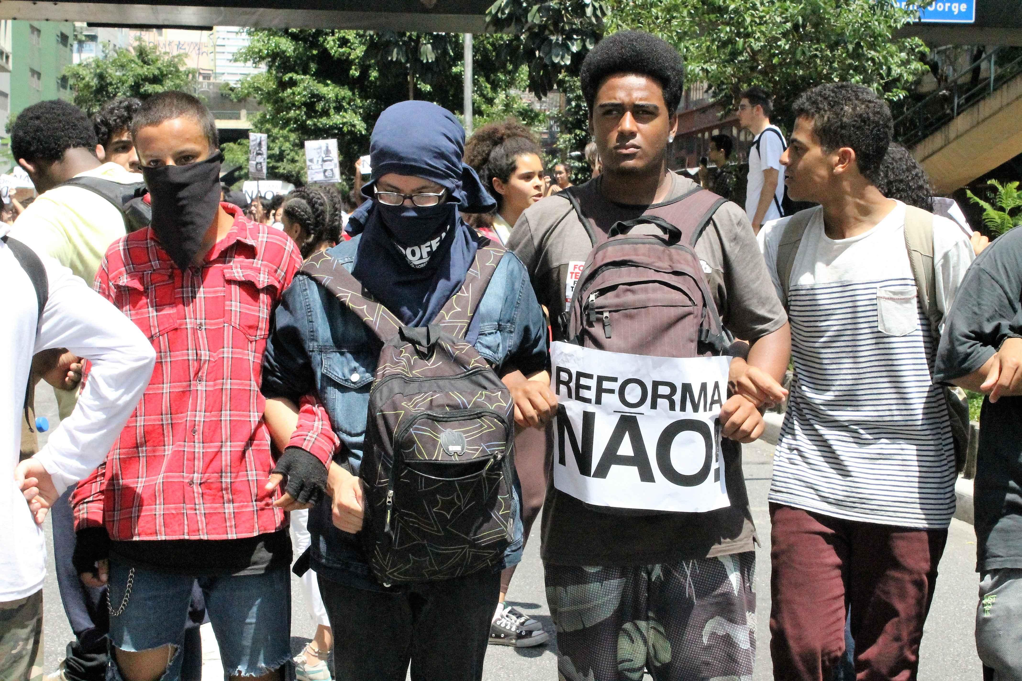 Estudantes protestam pela retirada da MP 746