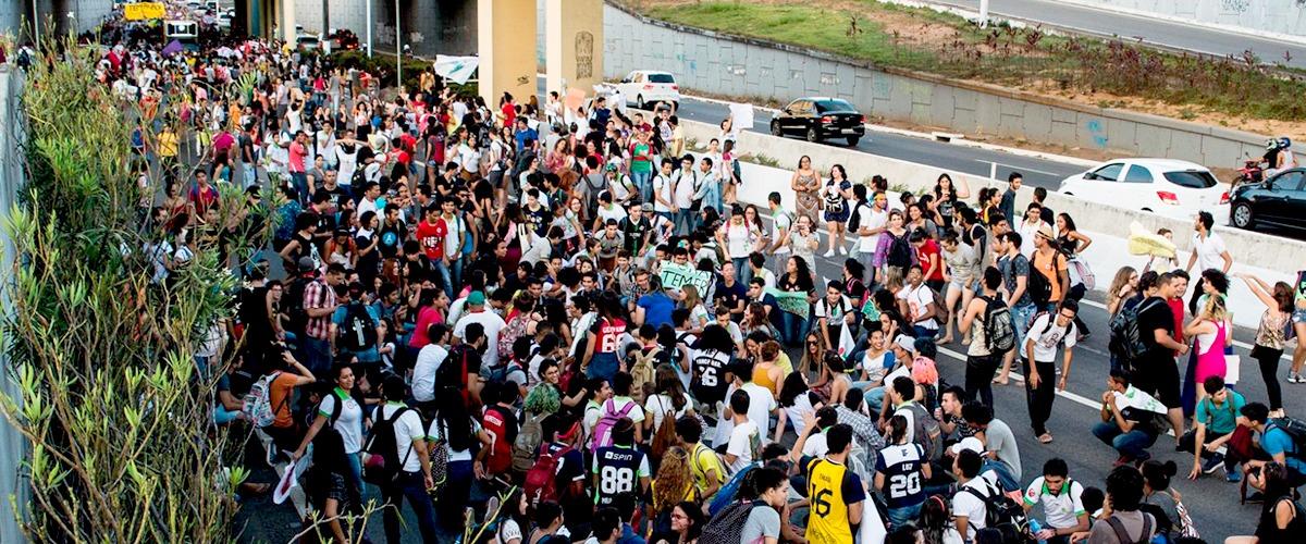 Resistência e apoio às ocupações levam mais de 4 mil estudantes às ruas de Natal