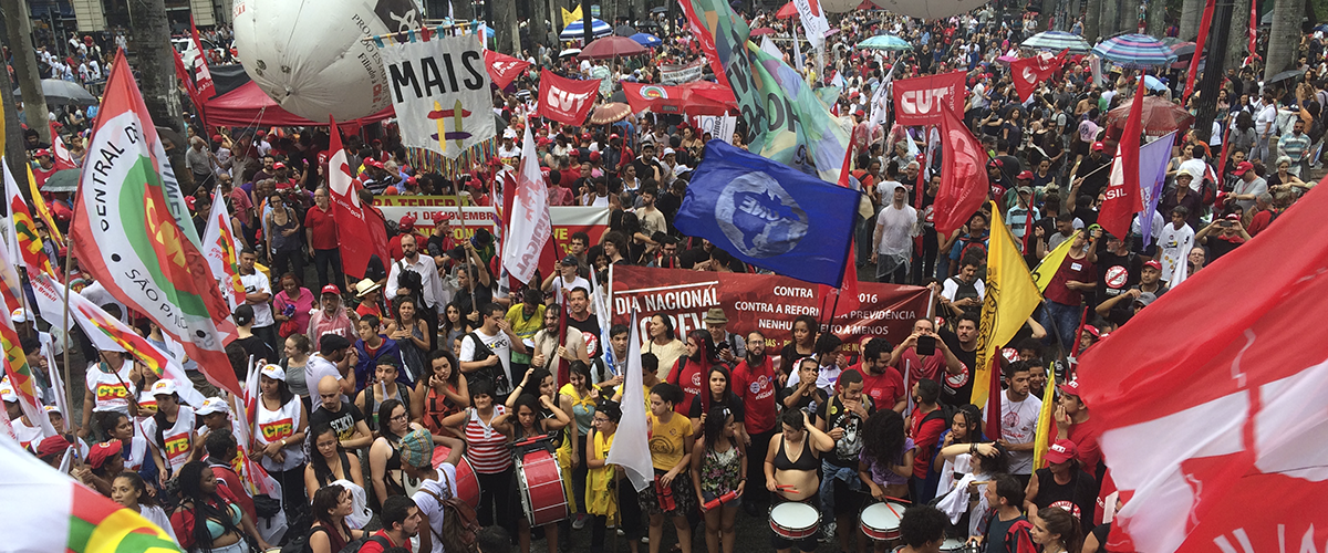 'Ocupa tudo' é palavra de ordem em ato em SP no Dia Nacional de Greve