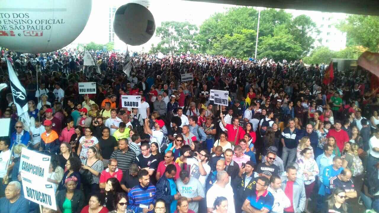 50 mil na Paulista: rumo ao abril vermelho e greve geral