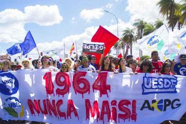 """5 """"fake news"""" sobre a Ditadura Militar"""
