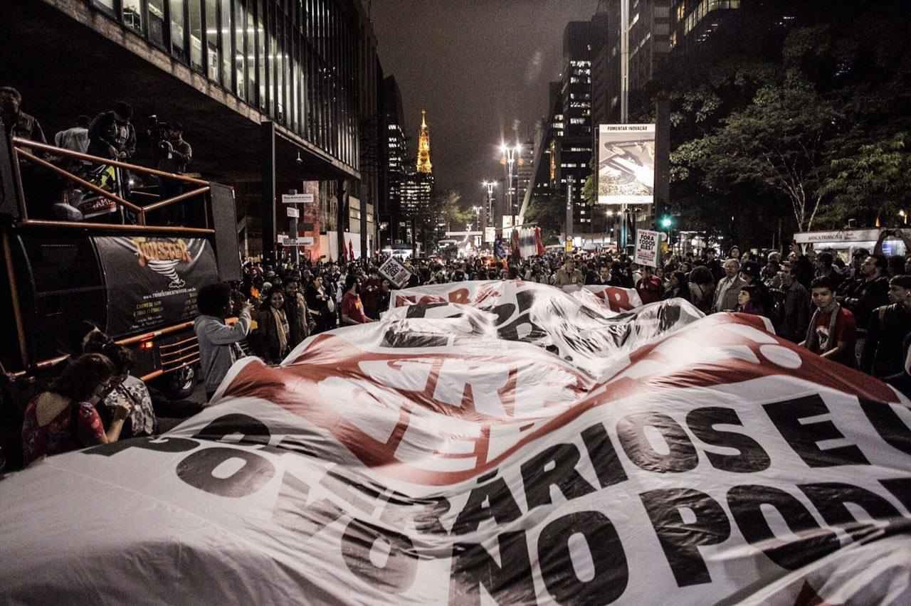 Atos espontâneos pedem Fora Temer e esquentam para manifestação de domingo
