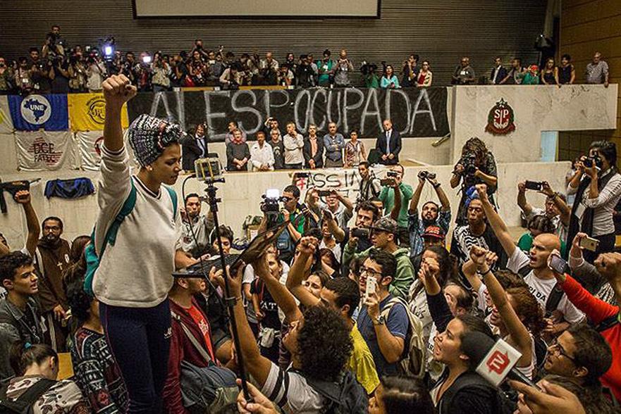 Um ano depois de ocupação, Alesp continua processo contra estudantes