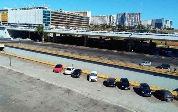 Bastante movimentada em dias normais, a rodoviária de Brasília está praticamente parada. Foto: Jornalistas Livres
