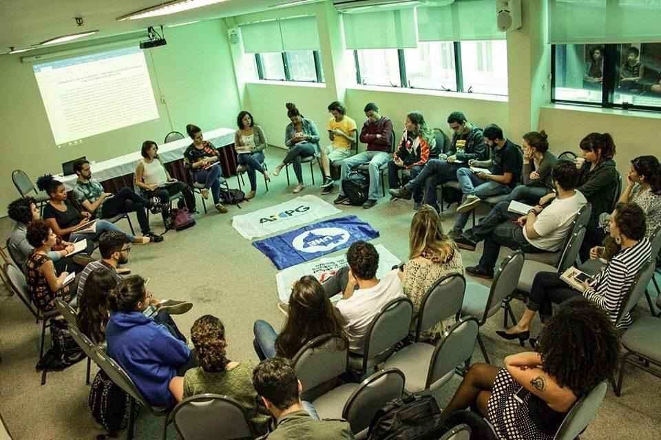 Mês do Estudante: Jornada de Lutas exige Diretas Já
