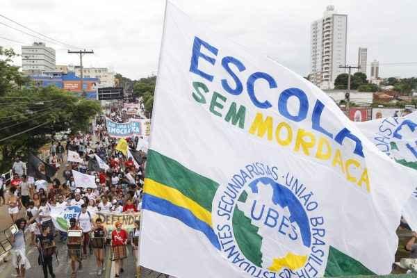 UBES exige democracia e fim do obscurantismo na BNCC