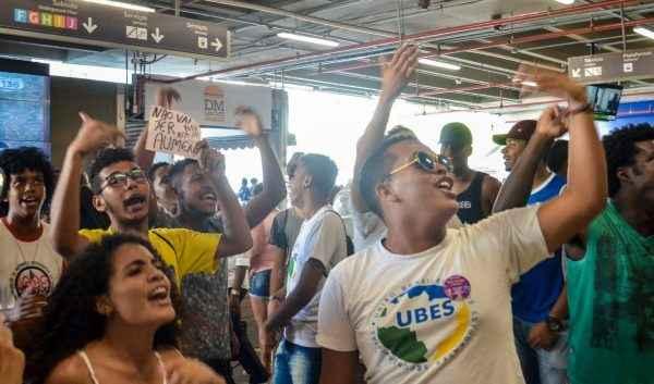 2018 começa na luta: estudantes contra aumento de passagens