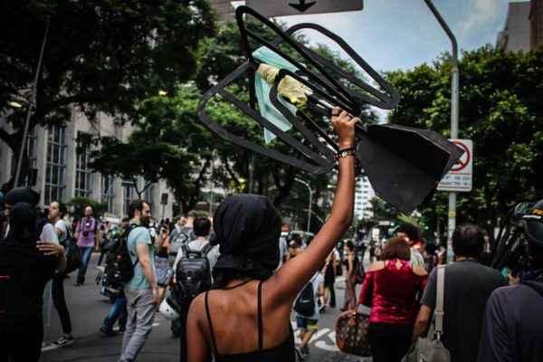 Com medo de protesto, Dória fecha bairro nobre em SP