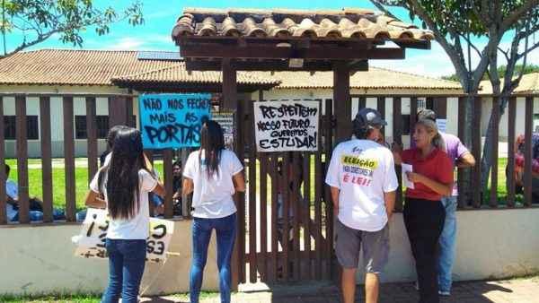 Escola é ocupada em Búzios (RJ) contra descaso com o ensino médio