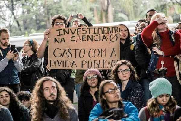 #EducaçãoSemVeto: Luta dos estudantes é para manter verba do MEC em 2019