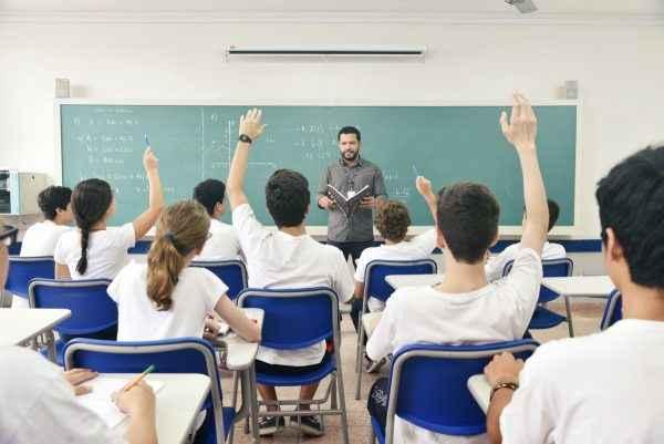 Ensino Domiciliar, proposto por Bolsonaro, prejudica a formação dos estudantes