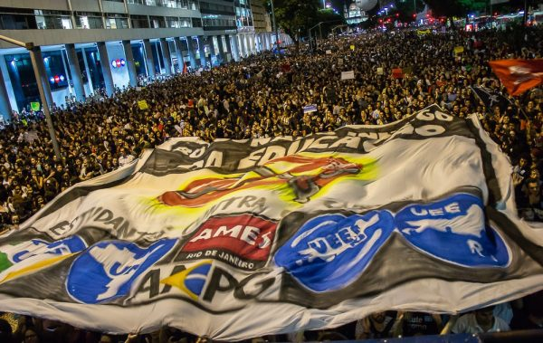 #30M: Movimento estudantil marca novo dia de atos após unir 1,5 milhão nas ruas
