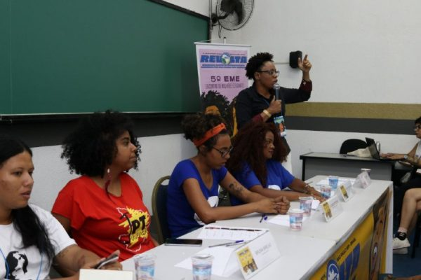 Estudantes negras e indígenas cobram presença nos espaços de poder