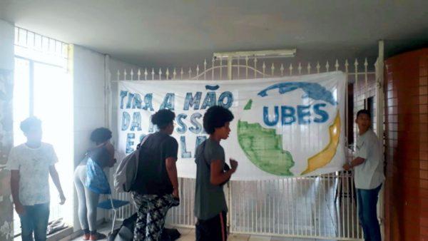 Não fechem minha escola! Estudantes ocupam Odorico, em Salvador