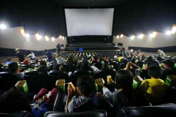 Entenda por que a meia-entrada é um direito importante, não só para o cinema